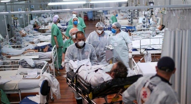 Brasil registra novo recorde diário de mortes por covid: 4.249