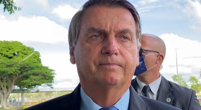 Bolsonaro diz que povo 'merece sofrer' se votar em Lula