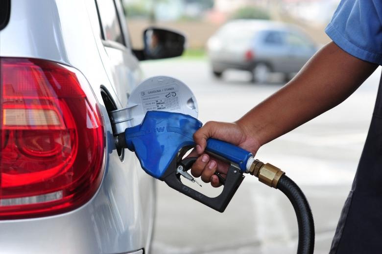 Petrobras anuncia redução de 2% nos preços do diesel e da gasolina
