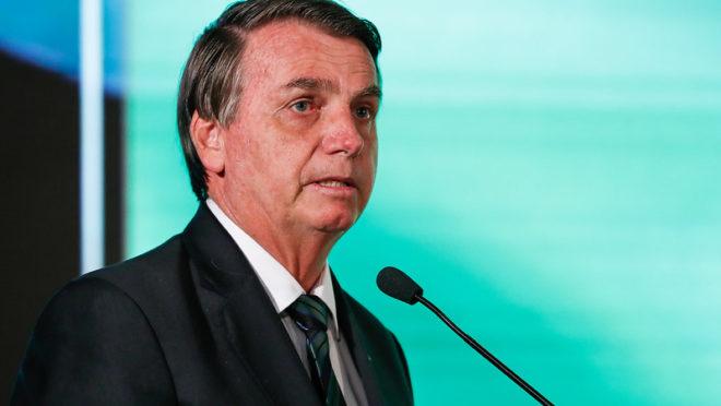 'Se eu baixar um decreto, vai ser cumprido', afirma Bolsonaro