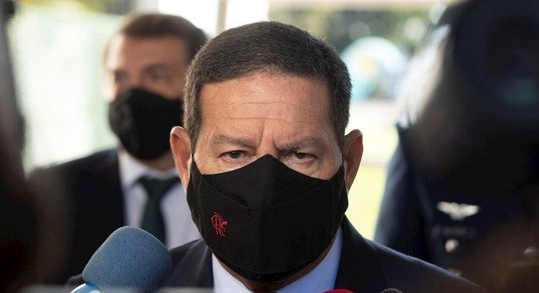 'Quem não deve não teme', diz Mourão sobre chance de nova CPI