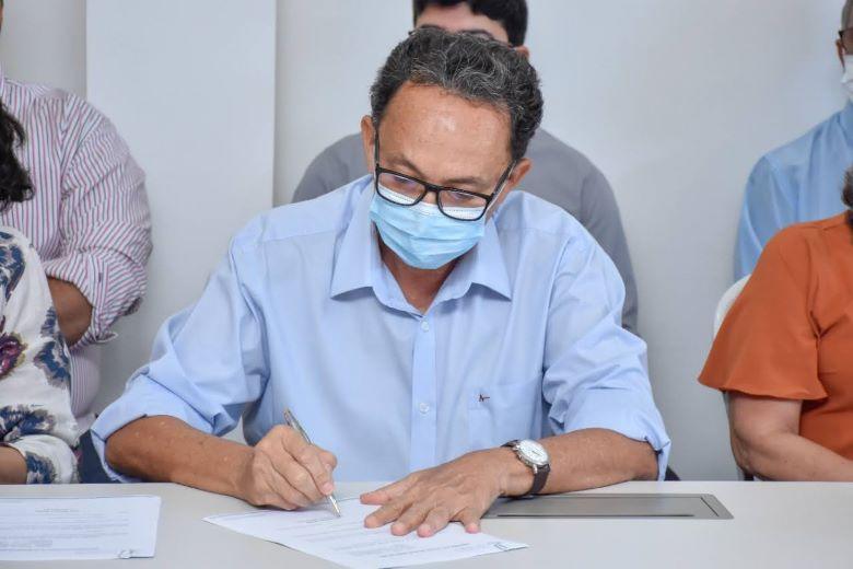 Prefeito Ednei Amorim nomeia novos secretários de sua gestão