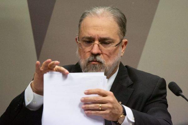 Procurador Geral da República defende que governadores deponham em CPI