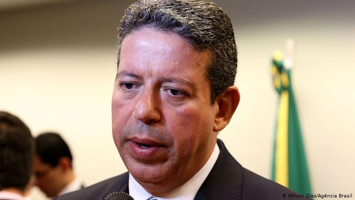 Lira descarta impeachment de Bolsonaro e afirma que CPI 'é um erro'