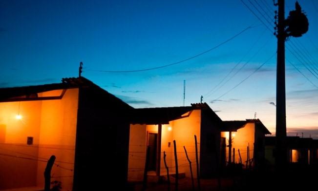 Inclusão de famílias do CadÚnico na Tarifa Social de Energia é aprovada