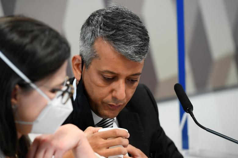 Omar Aziz dá voz de prisão a ex-diretor da Saúde acusado de corrupção
