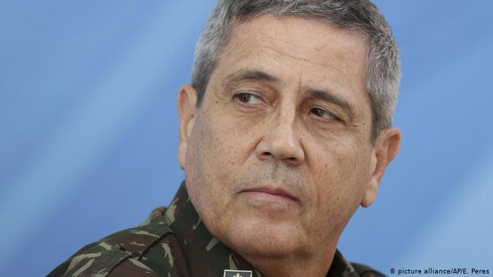 Braga Netto acompanha exercício de tropas especializadas em intervenção federal
