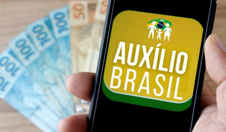 Beneficiários do Auxílio Brasil terão acesso a crédito especial