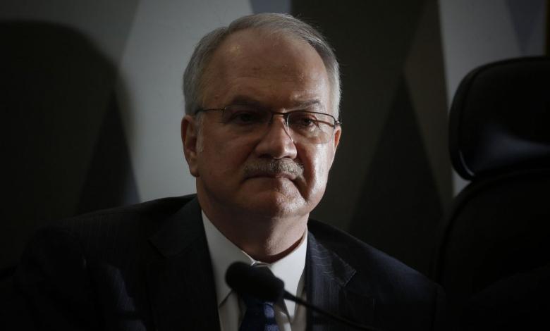 Fachin rejeita ação de Bolsonaro que impedia o STF de abrir inquéritos sem aval do MPF
