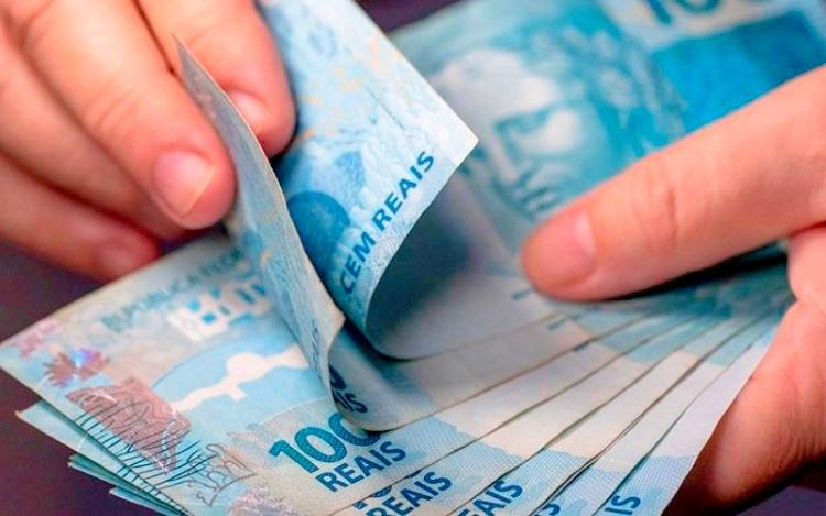 Governo prevê salário mínimo de R$ 1.169 em 2022