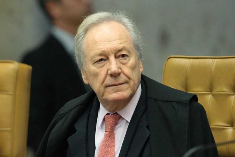 Ricardo Lewandowski suspende dois processos contra Lula